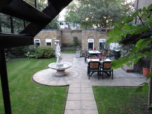 The courtyard of our little hotel in Windsor