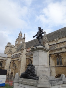 Oliver Cromwell statue in front of Parliament