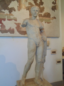 One of the statues found in the Palatine Hill that used to adorn an emperor's palace.